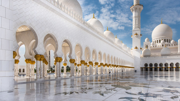 The architecture of Sheikh Zayed mosque