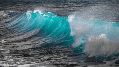 Turquoise sea wave