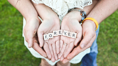 Forever message in their hands