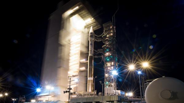 2048x2048 Serene Sunset Ipad Air Hd 4k Wallpapers Images: Atlas-V Rocket At Vandenberg Air Force Base
