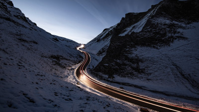 Car lights on Winnats Pass