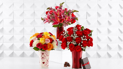 Bouquets of roses, lilies and tulips