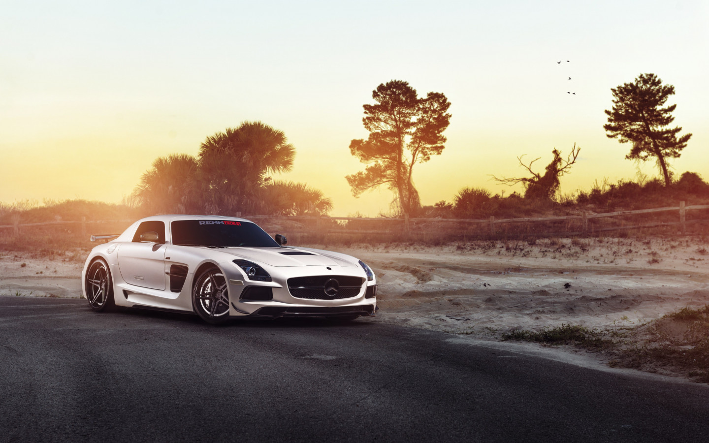 Mercedes SLS wallpaper 1440x900