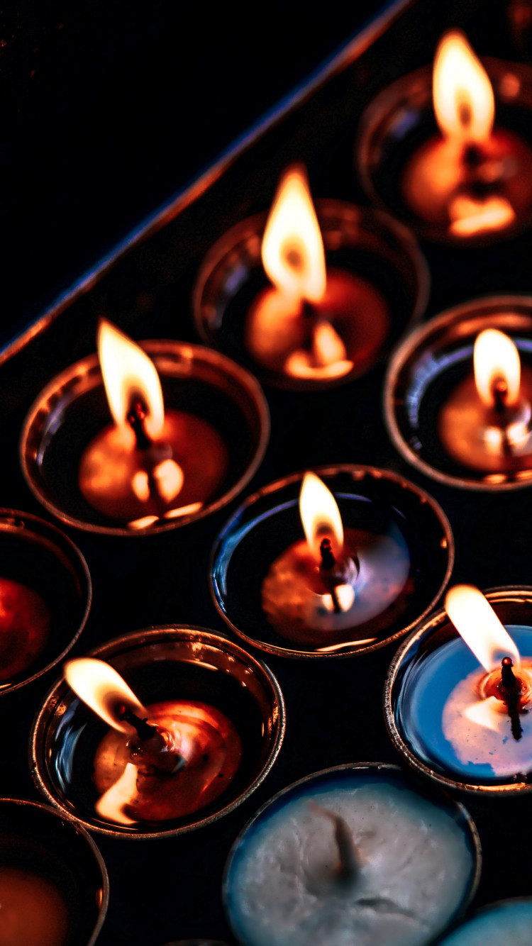 Candles wallpaper 750x1334