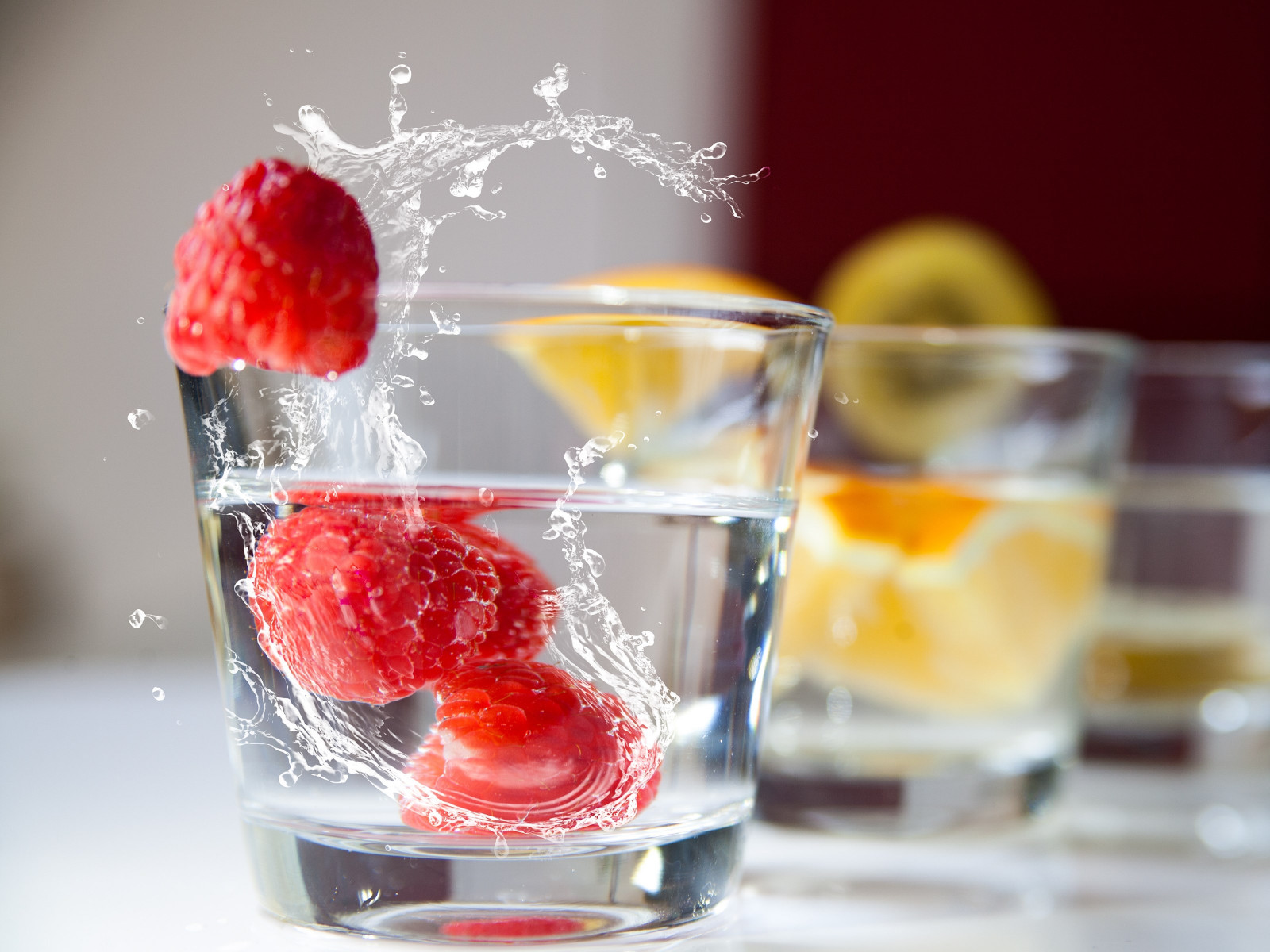 Raspberry and orange drinks wallpaper 1600x1200