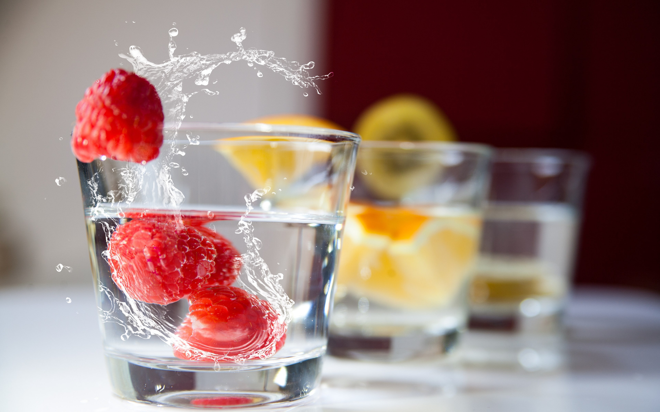 Raspberry and orange drinks | 2560x1600 wallpaper