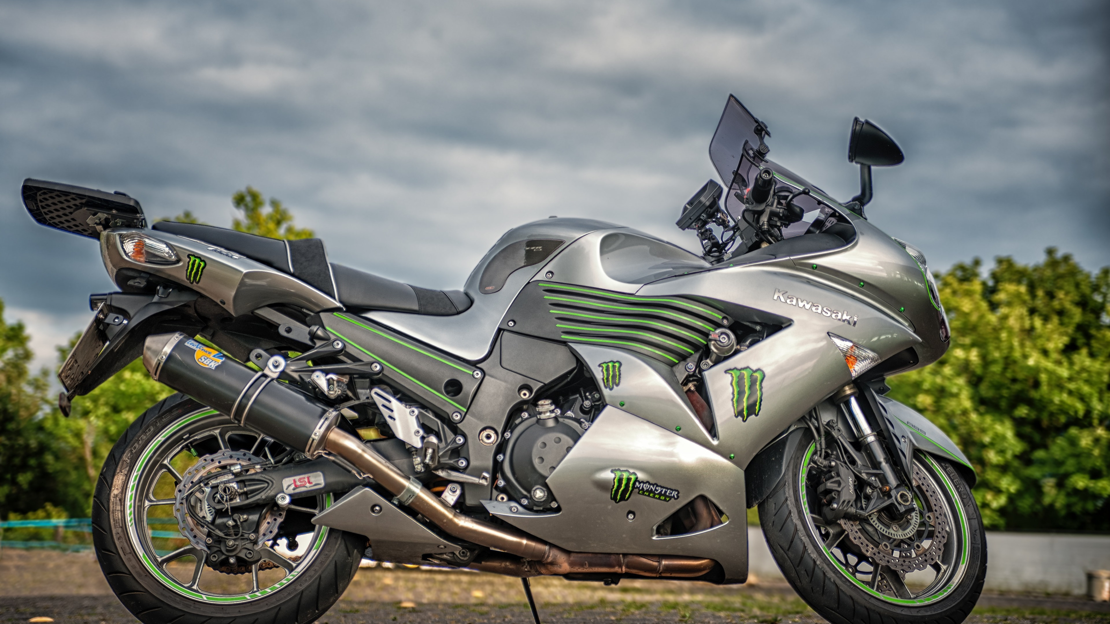 Download wallpaper: Kawasaki ZZR1400 3840x2160