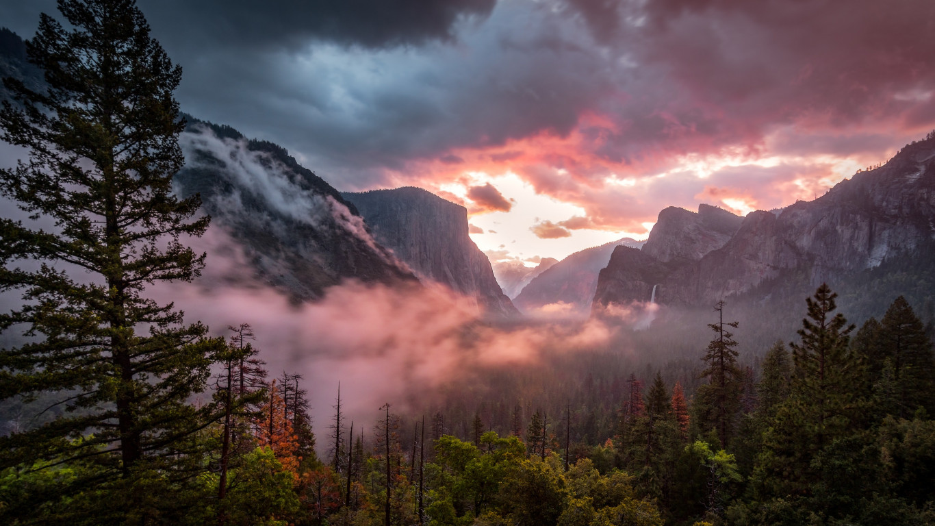 Landscape from Yosemite National Park wallpaper 1366x768