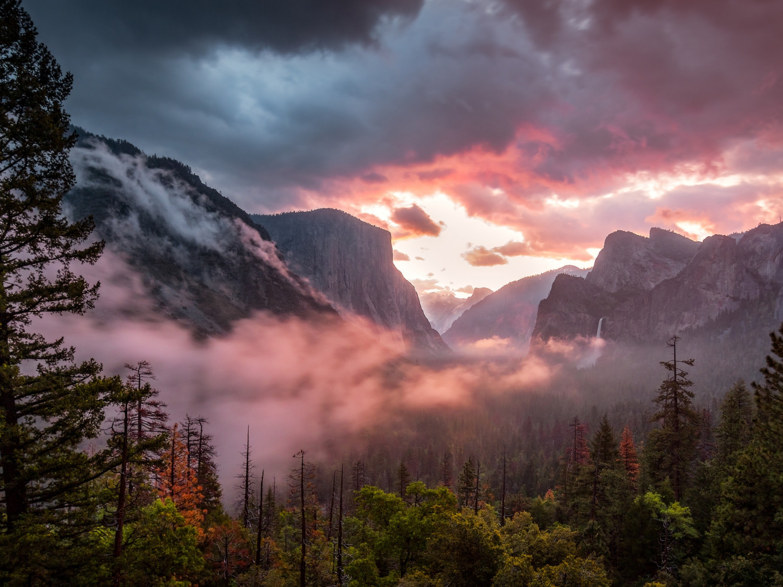 Landscape from Yosemite National Park wallpaper 1600x1200