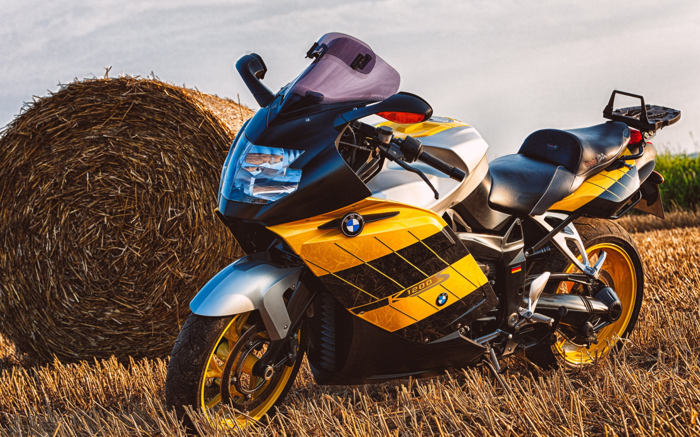 BMW Motorcycle K1200S wallpaper 1440x900