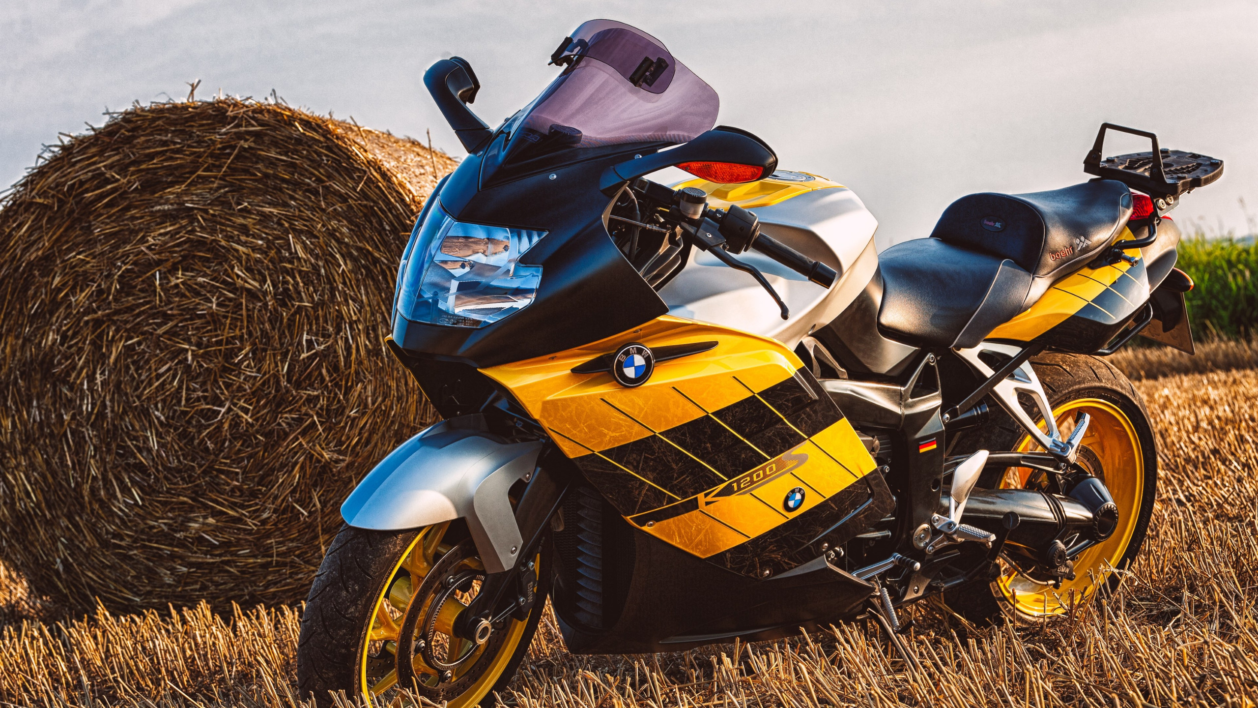 BMW Motorcycle K1200S wallpaper 2560x1440