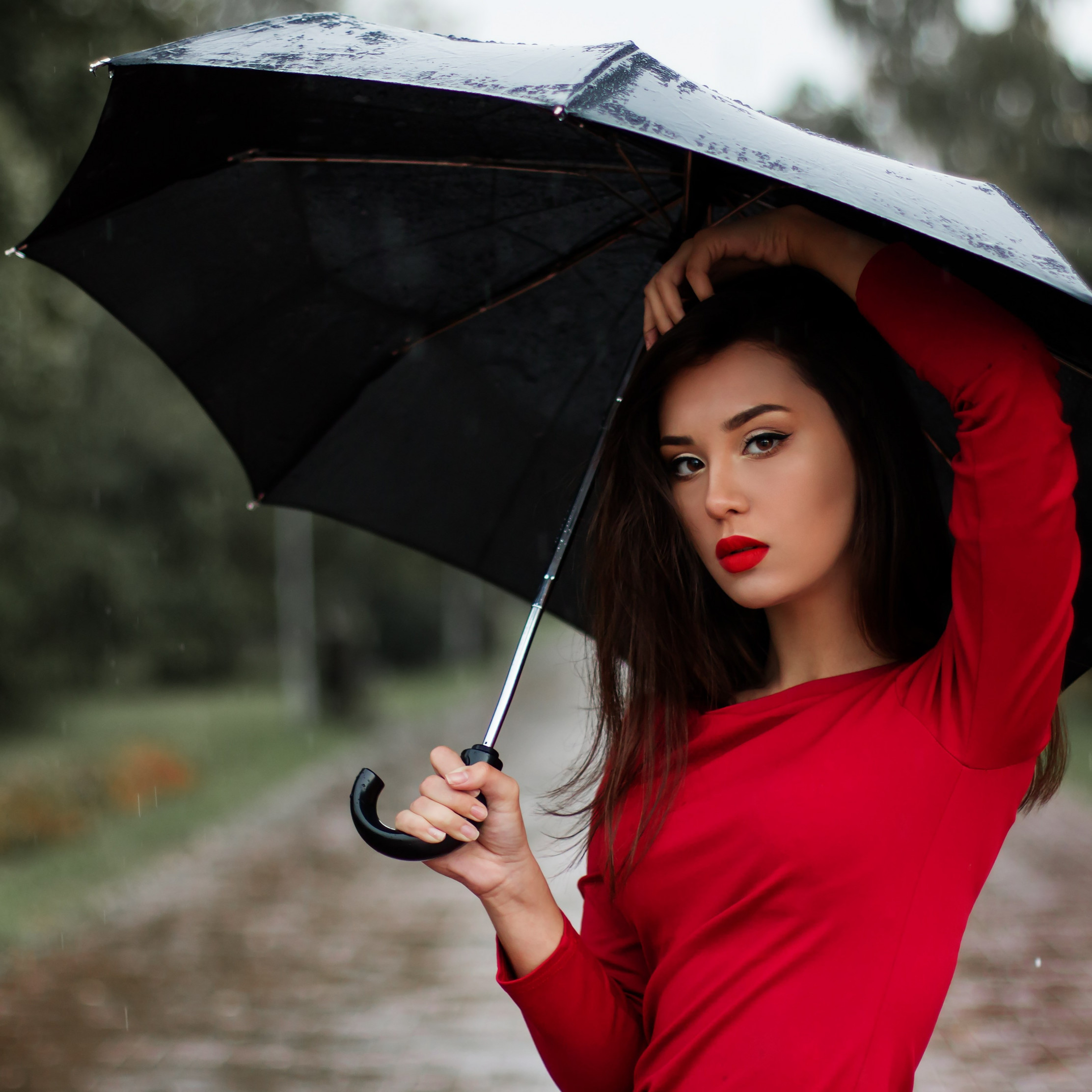 Beauitful girl in a rainy day wallpaper 2224x2224