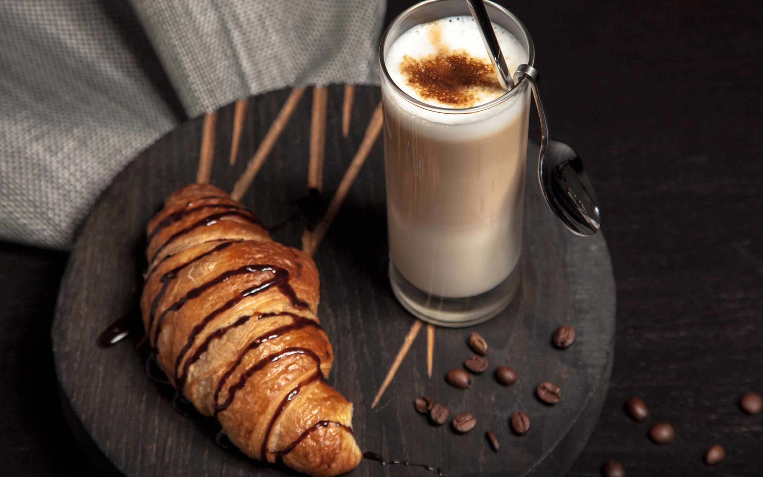 Cappuccino and chocolate croissant wallpaper 2560x1600