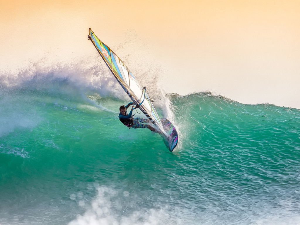 Windsurfing wallpaper 1024x768
