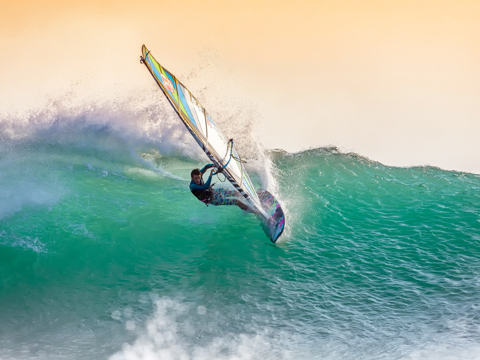 Windsurfing wallpaper 1600x1200