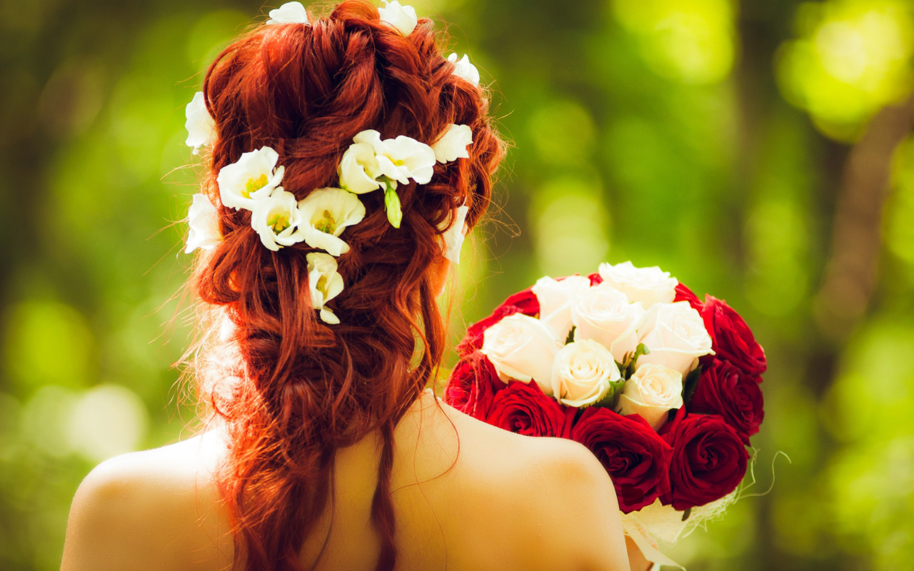 Bride and wedding flowers | 1280x800 wallpaper