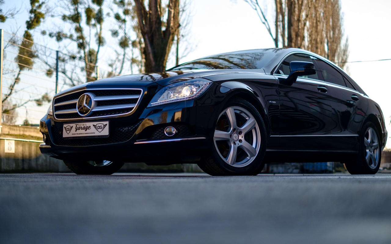 Mercedes Benz CLS wallpaper 1280x800