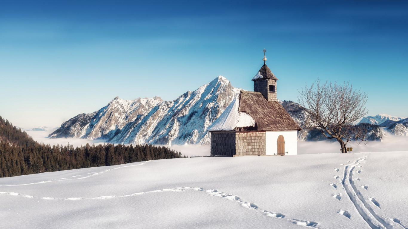 Alpine Winter landscape from Strobl, Austria | 1366x768 wallpaper