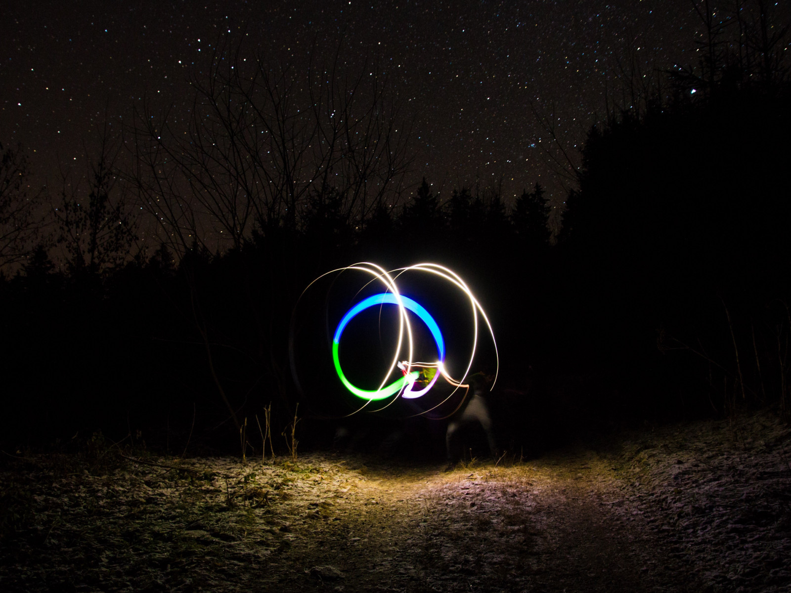 Light graffiti and the sky full of stars wallpaper 1600x1200