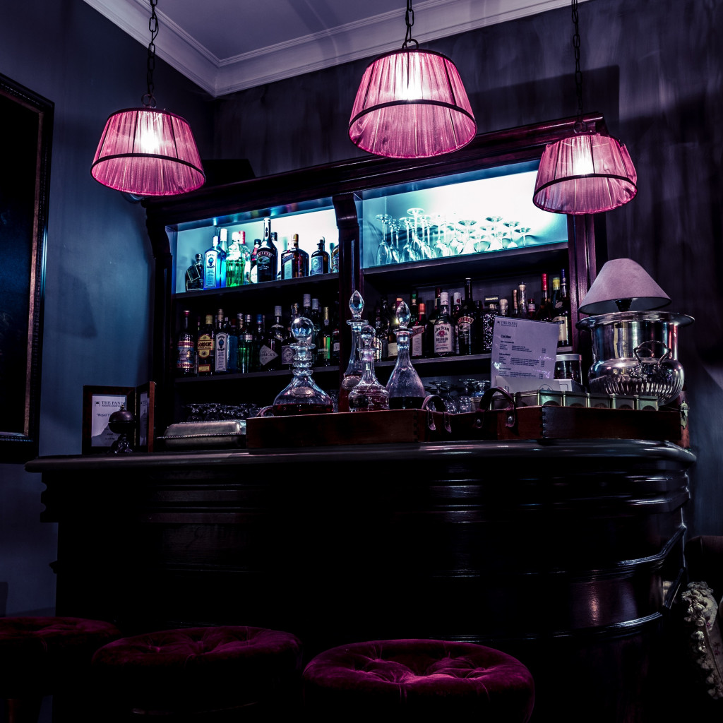 Interior bar design | 1024x1024 wallpaper