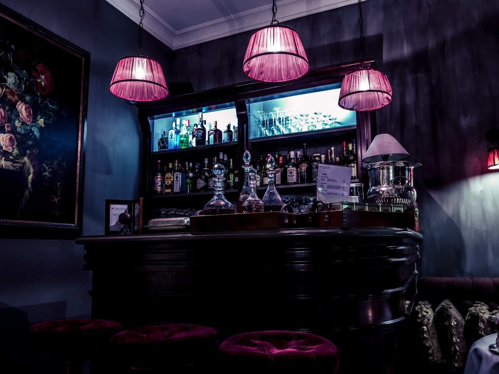 Interior bar design wallpaper 1600x1200