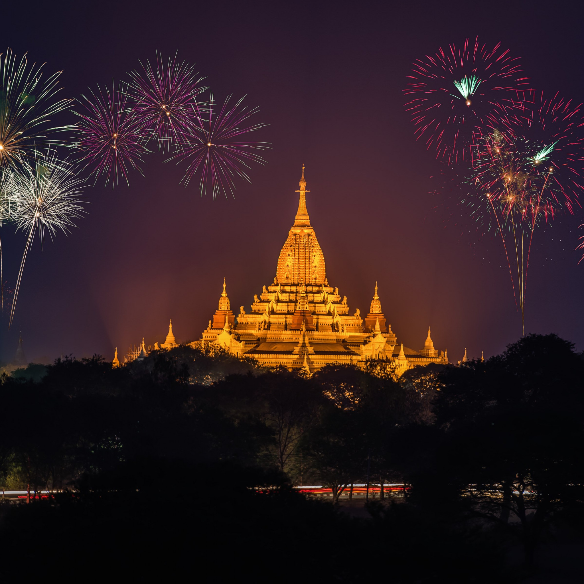 Fireworks above Ananda Phato temple | 2048x2048 wallpaper