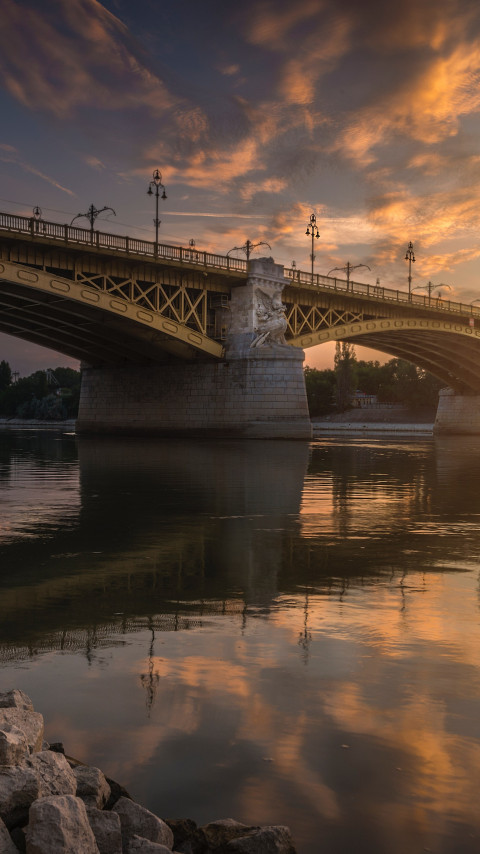Margaret Bridge over Danube river wallpaper 480x854
