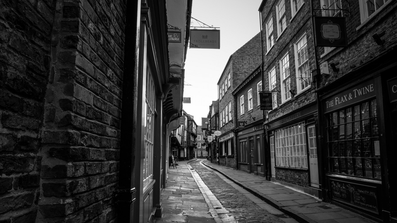 On the streets of York, England wallpaper 1366x768