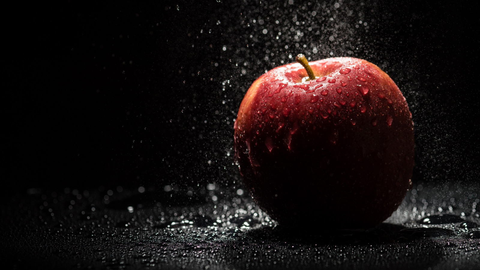 The apple, natural red apple wallpaper 1600x900
