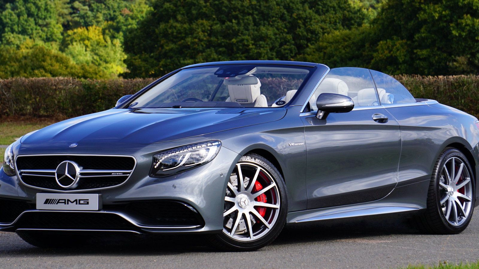 Mercedes AMG S63 convertible wallpaper 1600x900