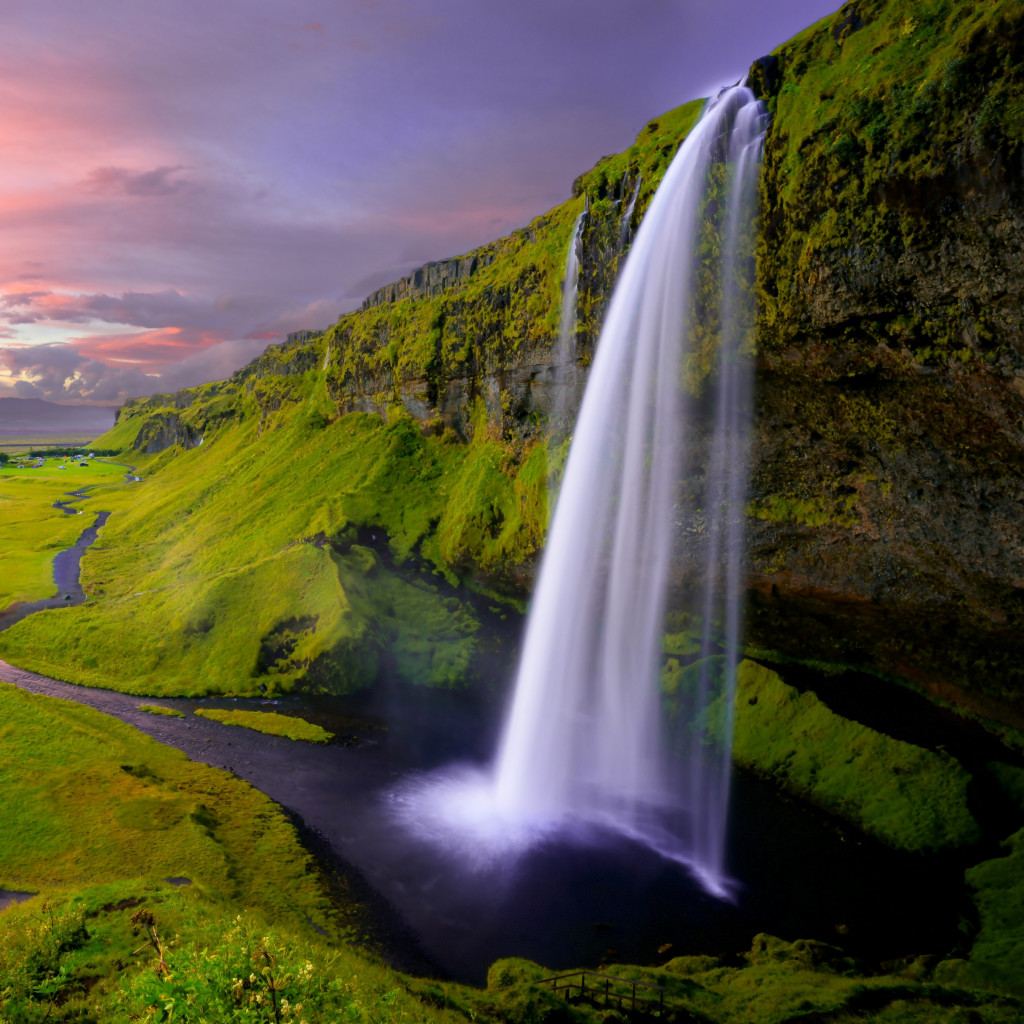 Seljalandsfoss waterfall wallpaper 1024x1024