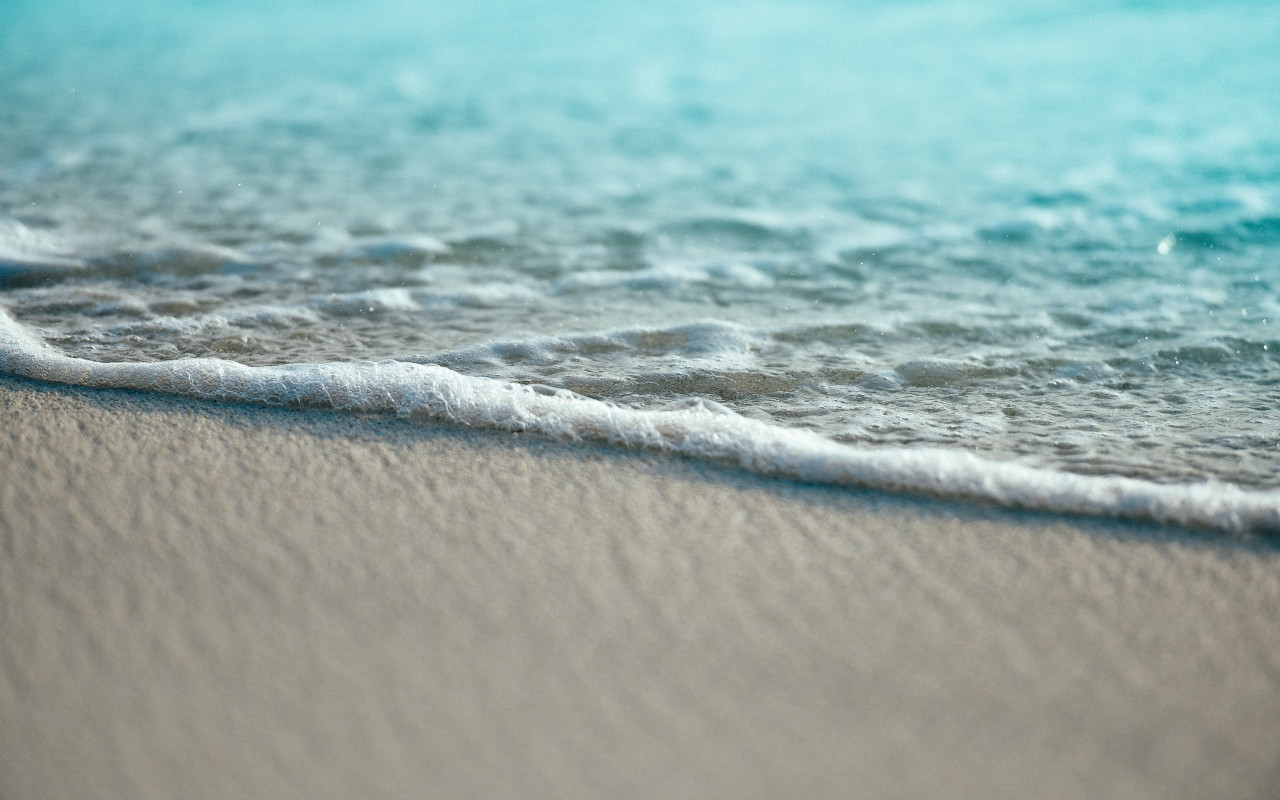 Turquoise ocean waters from Maldives wallpaper 1280x800