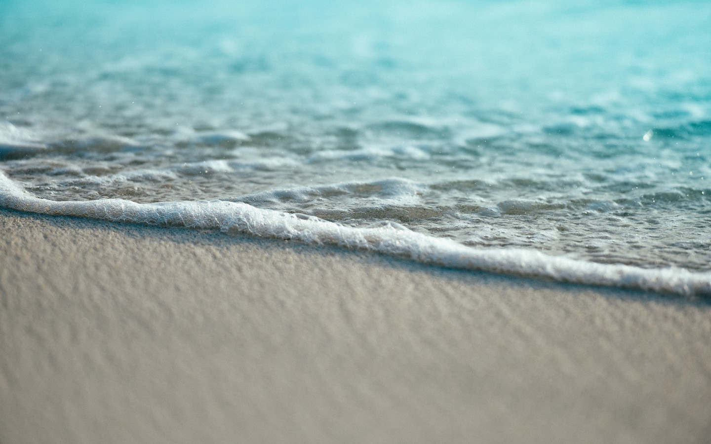 Turquoise ocean waters from Maldives wallpaper 1440x900