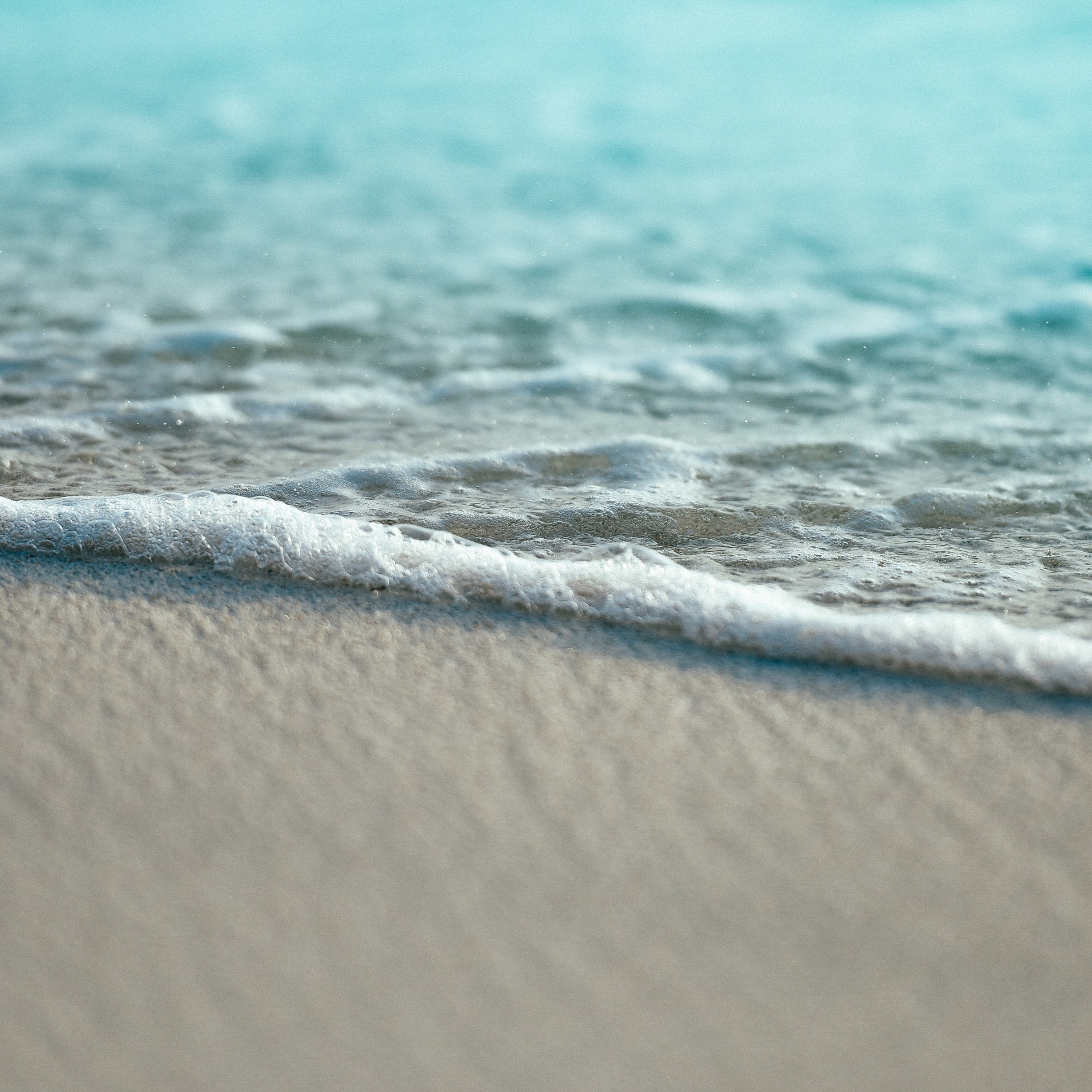 Turquoise ocean waters from Maldives wallpaper 2224x2224
