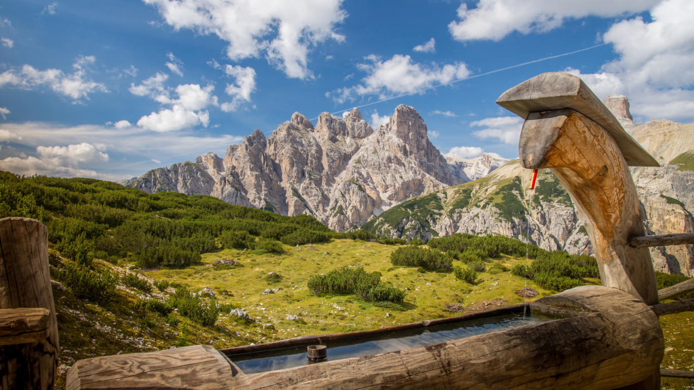 Landscape from Dolomites mountains wallpaper 1366x768