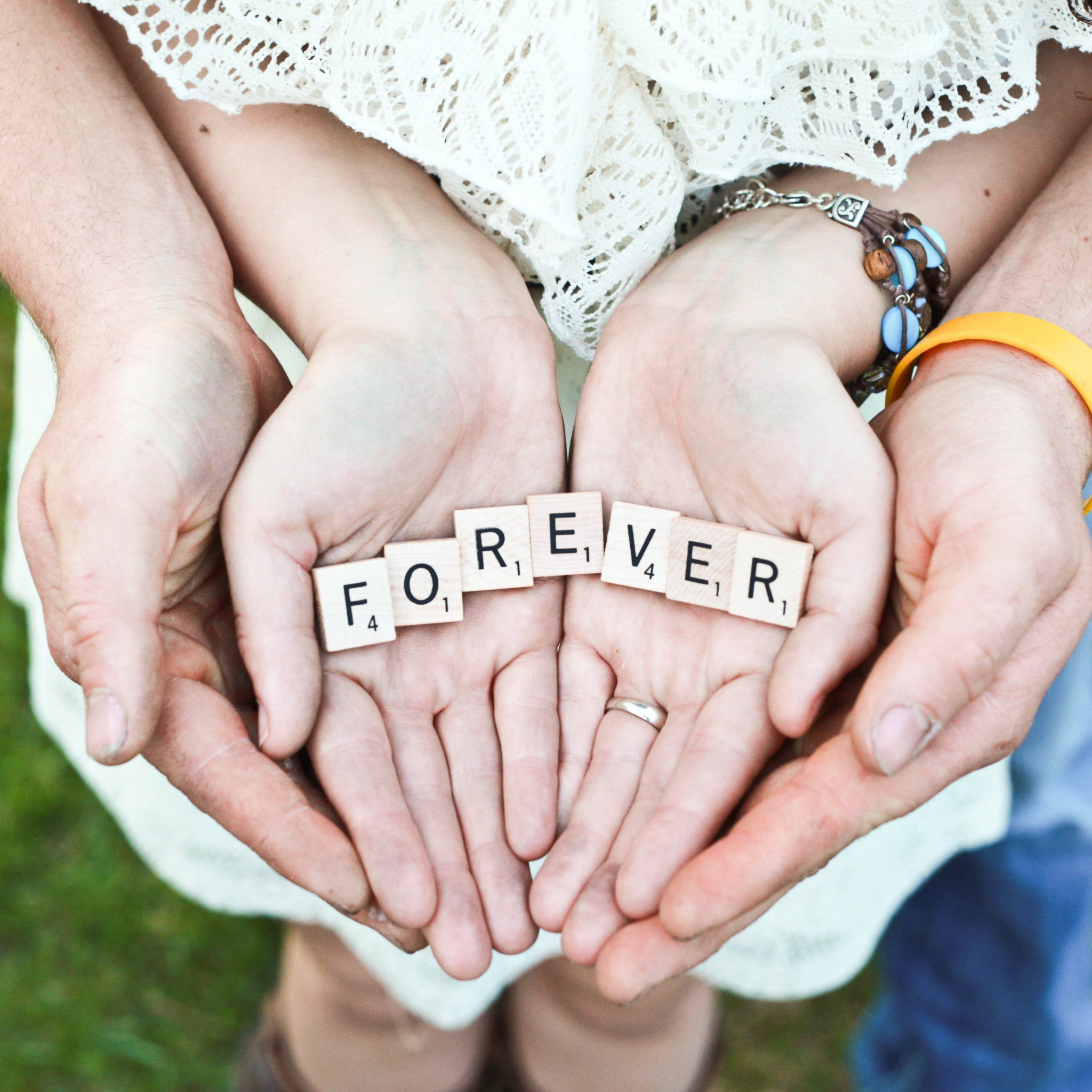 Forever message in their hands wallpaper 2048x2048