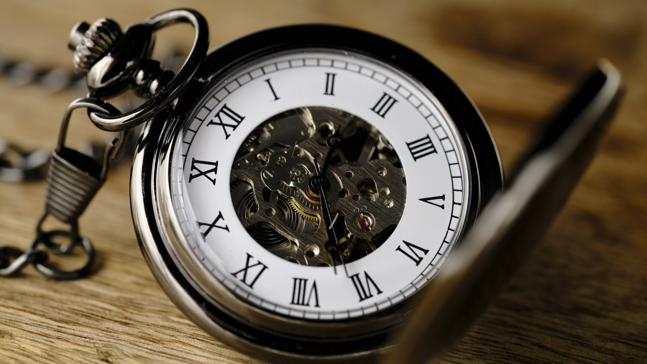 Pocket watch wallpaper 1280x720