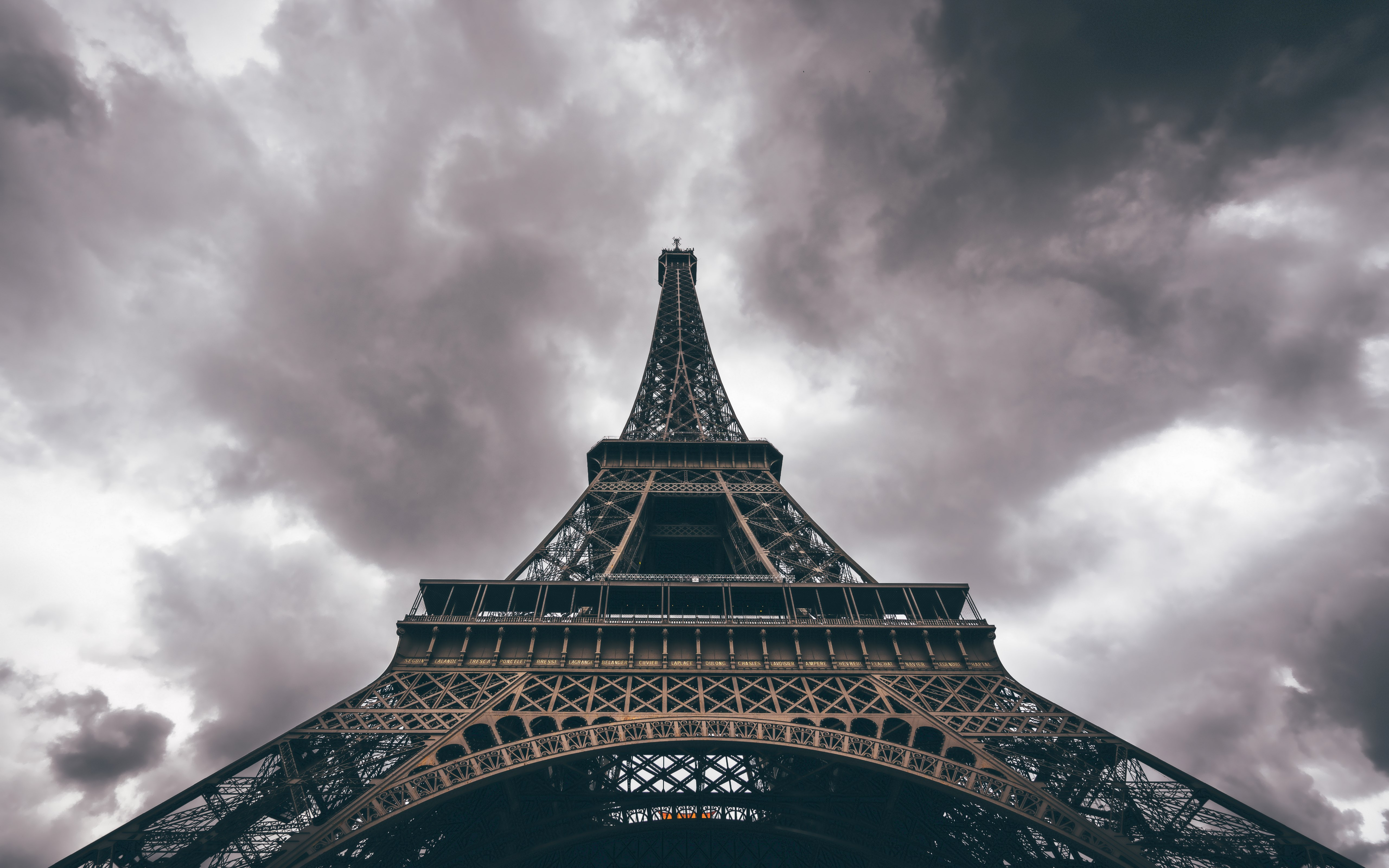 Eiffel Tower in a cloudy day wallpaper 5120x3200