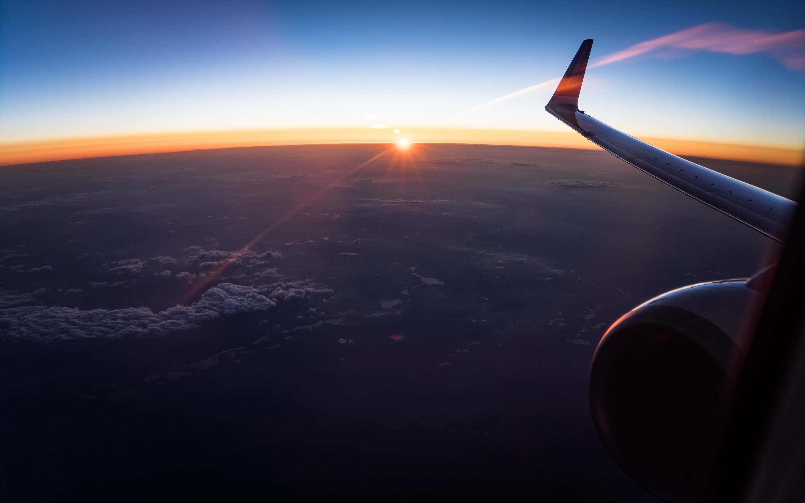 In the plane watching the sunset wallpaper 2560x1600