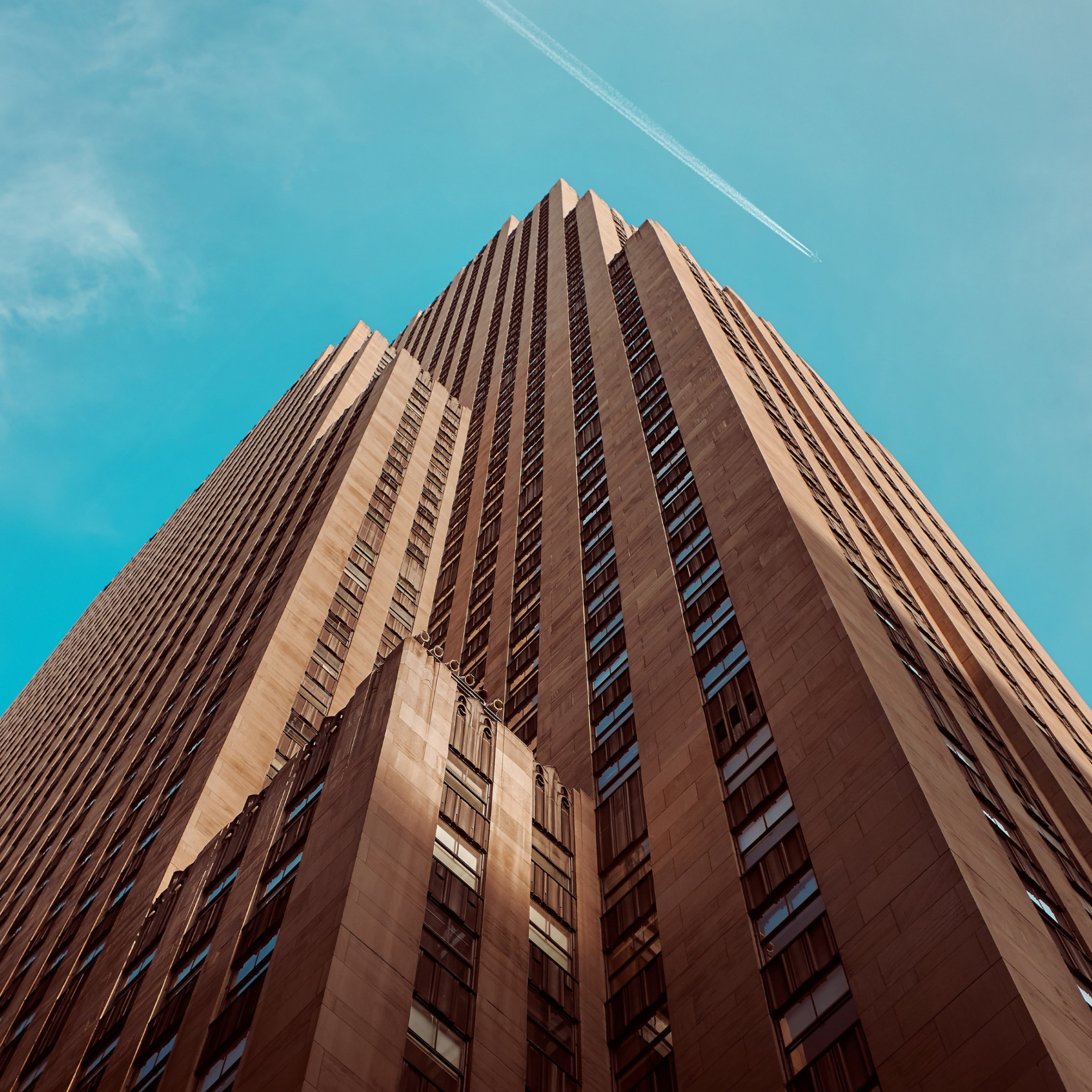 Rockefeller building touching the sky | 2224x2224 wallpaper