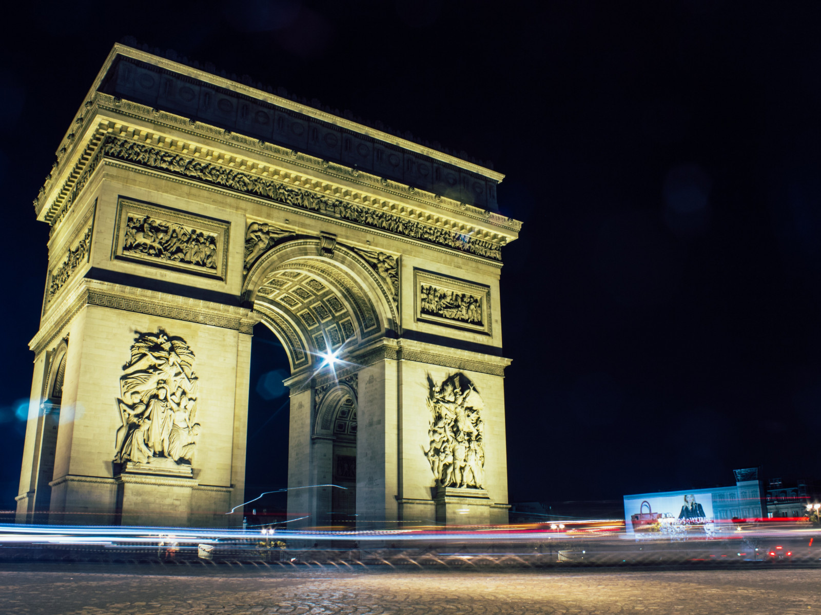 Arc de Triomphe, Paris, France wallpaper 1600x1200