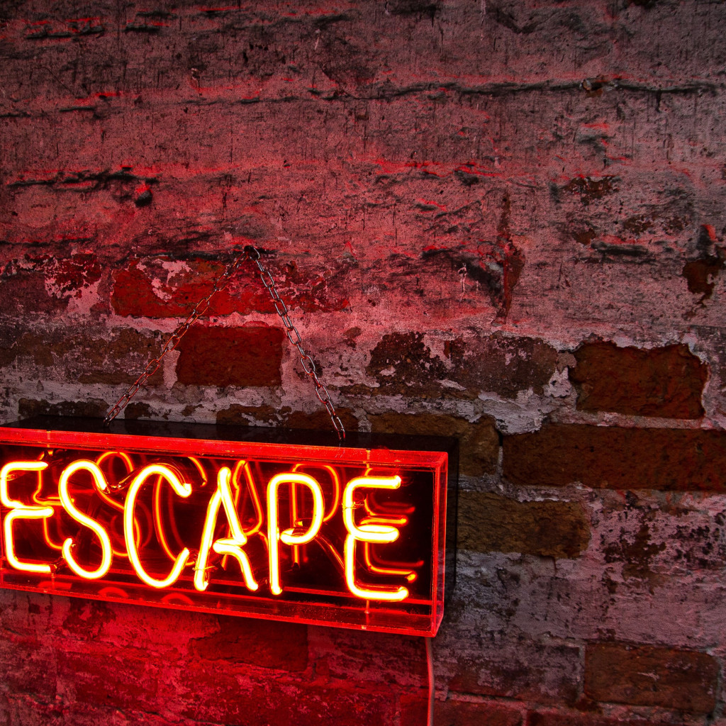 Escape logo wallpaper 1024x1024