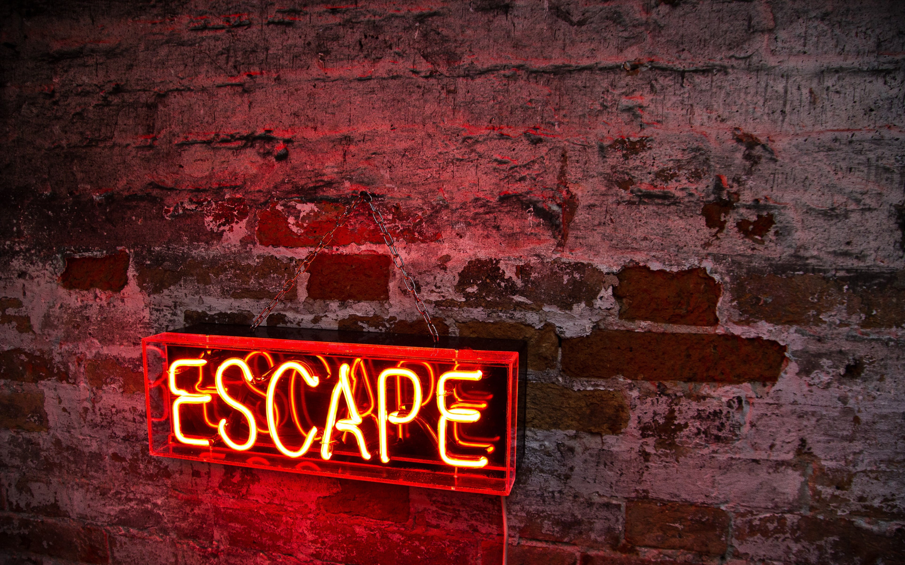 Escape logo wallpaper 2880x1800