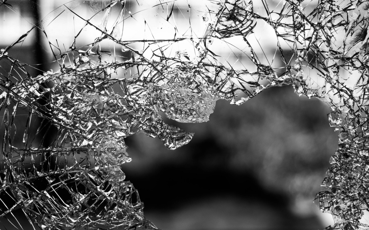 My broken window wallpaper 1280x800