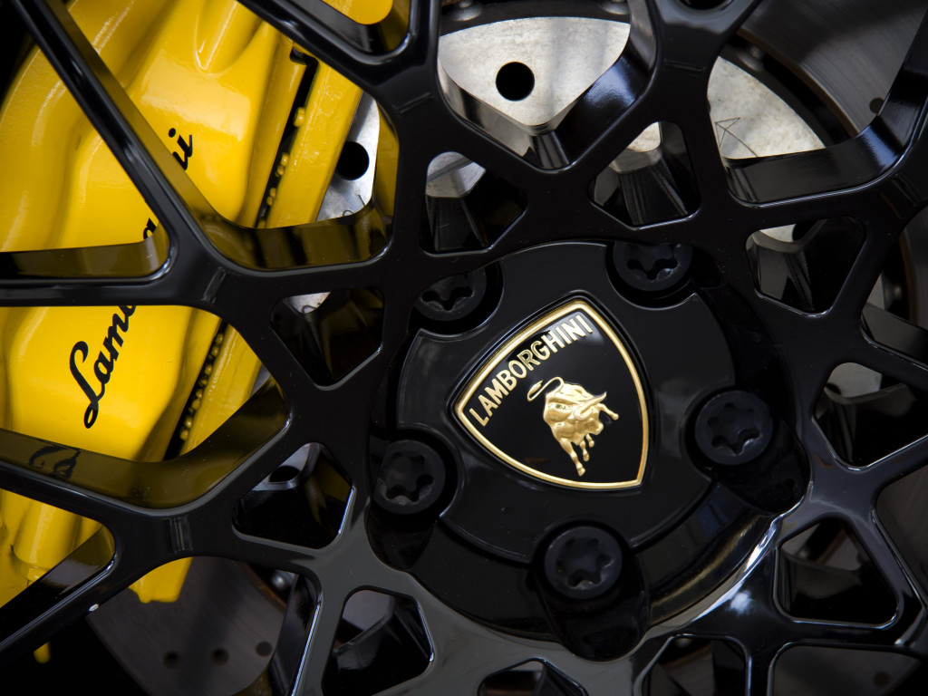 Lamborghini wheel wallpaper 1024x768