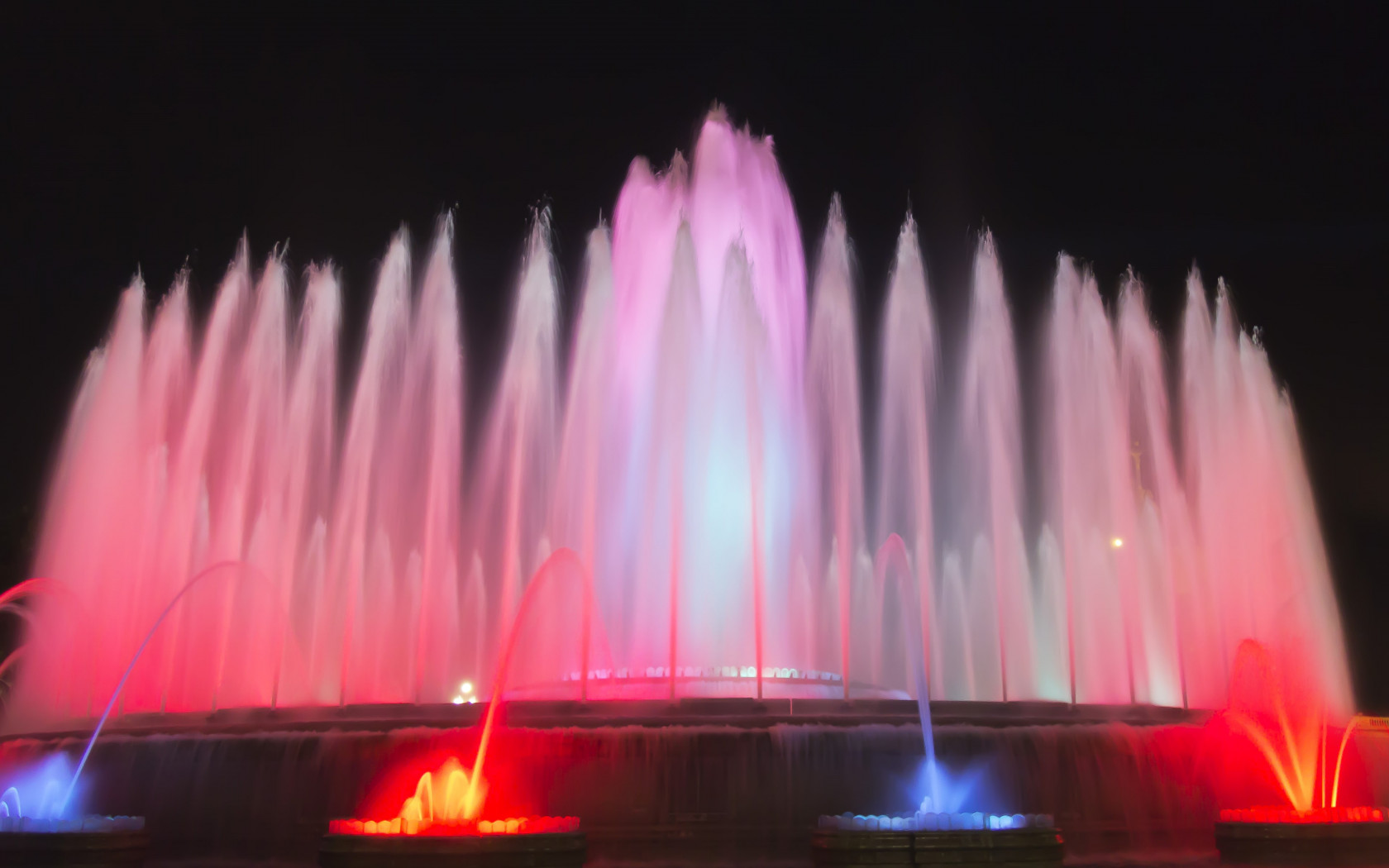 Fountains in Barcelona wallpaper 1680x1050