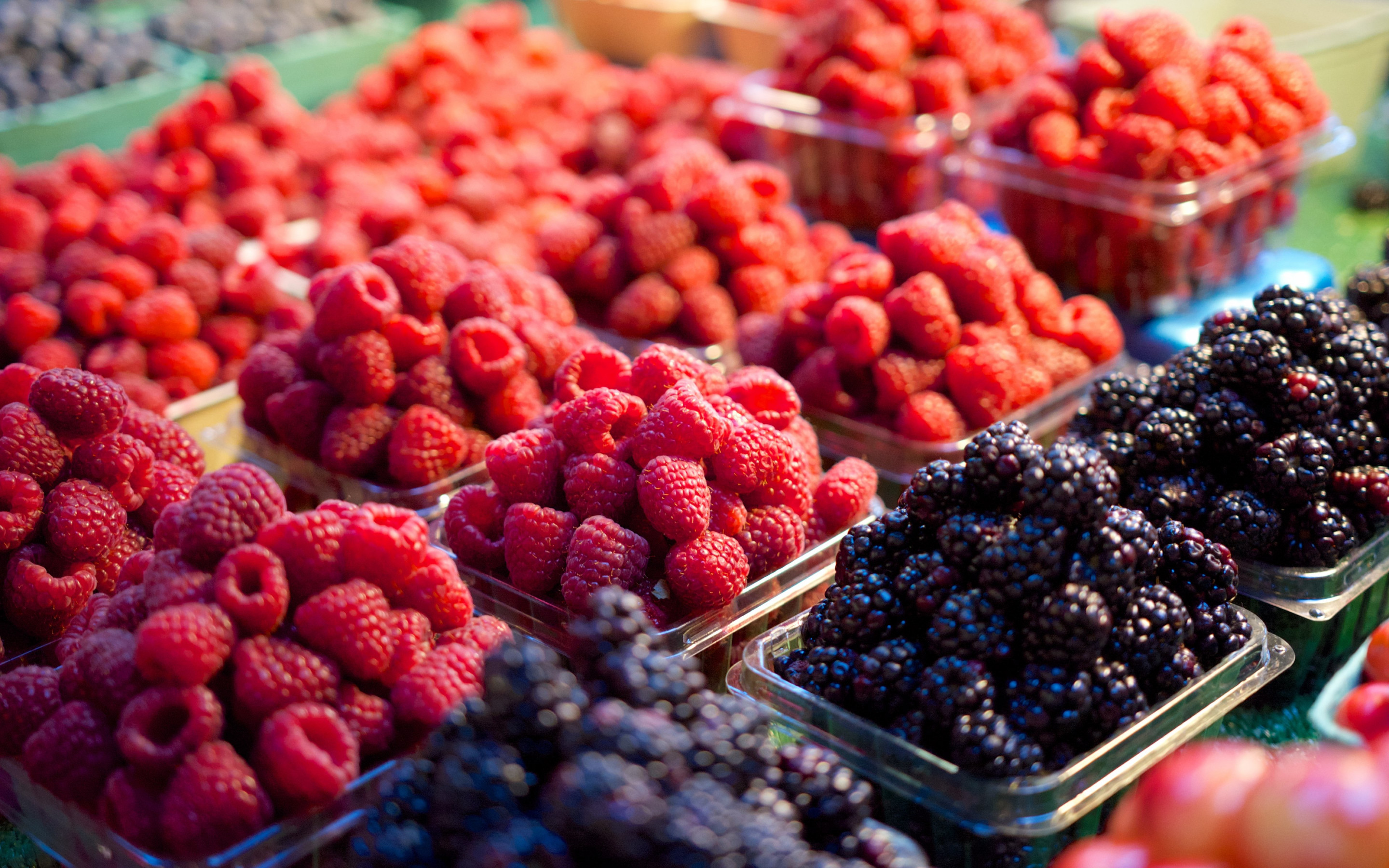 Fresh fruits at market | 2880x1800 wallpaper