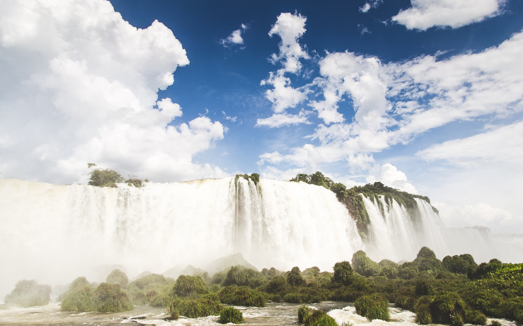 Iguazu waterfalls wallpaper 1680x1050