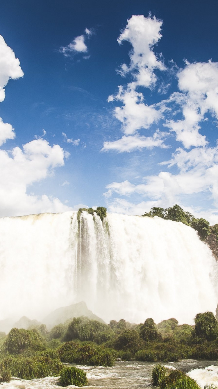Iguazu waterfalls wallpaper 750x1334