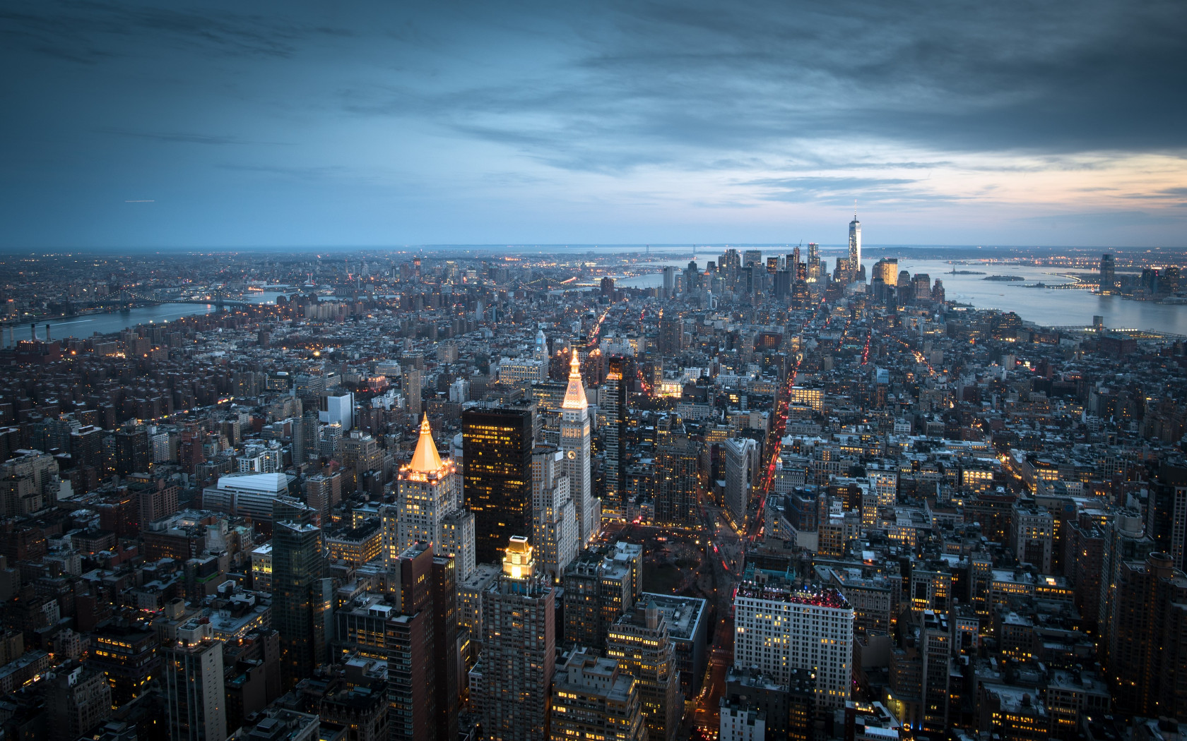 Top view over Manhattan from Empire State wallpaper 1680x1050